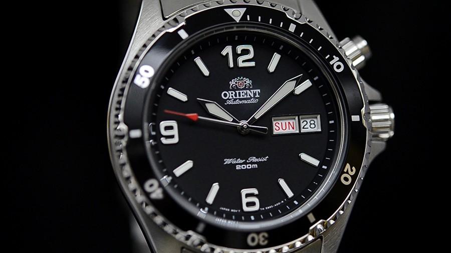 Đồng hồ Orient Black Mako FEM65001BW
